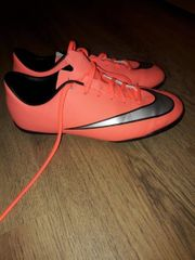 Nike Hallenschuhe Gr 37