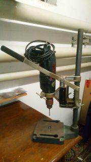 Metabo Bohrmaschine mit Bohrmaschinenschraubstock