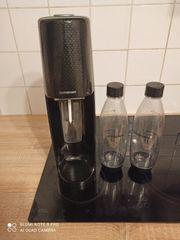 Sodastream mit Zylinder und Flaschen