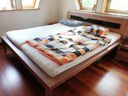 Doppelbett inklusive verstellbarem Lattenrost und