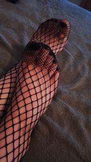Sexy Fußbilder Netzstrumpfhosen Söckchen etc