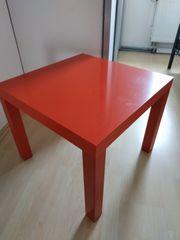 Roter Ikea-Tisch
