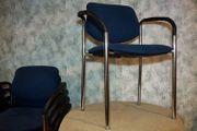 Besucherstuhl mit Armlehnen gebraucht blau
