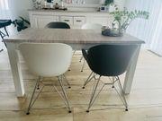 Esstisch mit 4 Stühlen Kommode