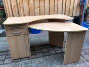 Schreibtisch mit Schränken