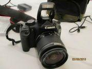 Canon EOS 550D Spiegelreflexkamera mit