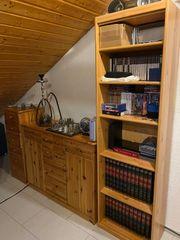 2 Kommoden mit Bücherregal