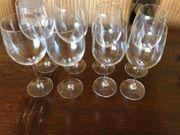 8 Weingläser in verschiedene Größen