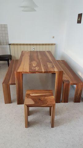 Tisch mit Sitzbänken und Hocker: Kleinanzeigen aus Schnaittenbach - Rubrik Speisezimmer, Essecken
