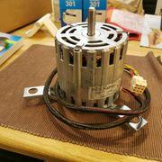 Elektromotor mit Halterung 230V 590W