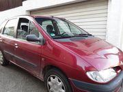 PKW Renault Senice