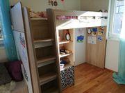 Hochbett mit eingebautem Schrank und