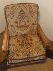 Stabiler und bequemer Sessel zu