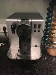 Kaffevollautomat de Longhi Lattissima
