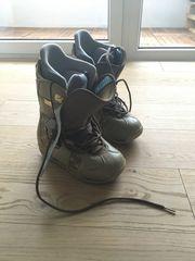 Snowboard Boots Burton Emerald 40