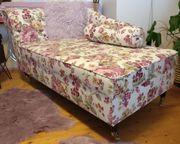 Couch Recamiere neuwertig erst ein