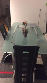 Glas Esstisch und 4 Stühle