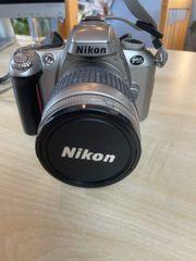 Nikon F55 Spiegelreflexkamera mit Nikon
