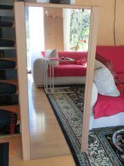 Gebrauchte Garderobe aus Holz mit