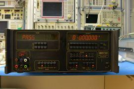 Datron 4000 Spannungskalibrator DC bis 1000V