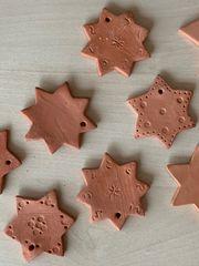 Sterne aus Ton Geschenkanhänger Advent