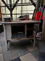 Alter küchen Ofen mit Wasserschiff