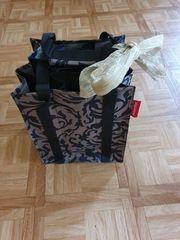 Praktische Geschenk-Tasche der Marke Reisenthel