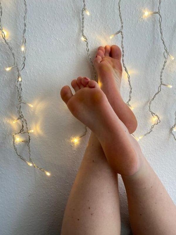 Fußvideos Fußbilder Sprachnachrichten Unterwäsche