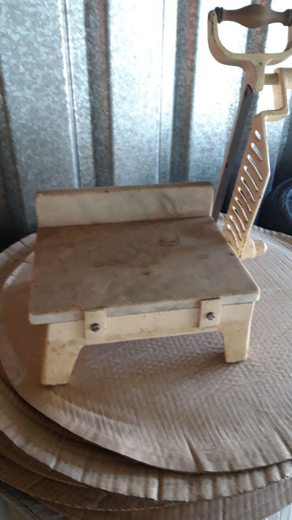 Antike Käseschneidemaschine