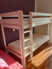 Doppelbett mit Matratzen