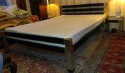 Mahagoni Bett 2 X Beistelltische