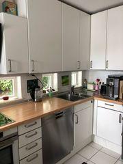 Ausgebaute Küche nur mit Mikrowelle