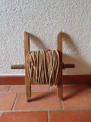 Antike Wäscheleine auf Holzspindel Deko