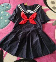 Japanische Schuluniform marineblau