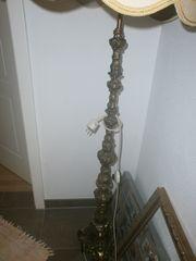 Stehlampe antik mit Messingfuß - ca