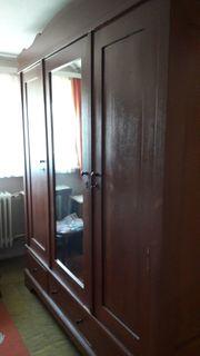 Schlafzimmerschrank Weichholz Antik 1920