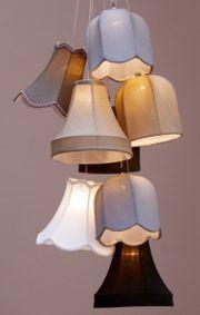 Design-Deckenleuchte mit 8 Lampenschirmen