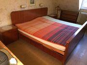 Schlafzimmer mit Kleiderschrank kostenlos abzugeben