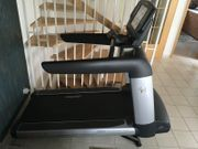 Life Fitness Laufband Elevation Engage