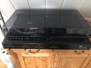 Alte Stereoanlage mit Schallplatten Spieler