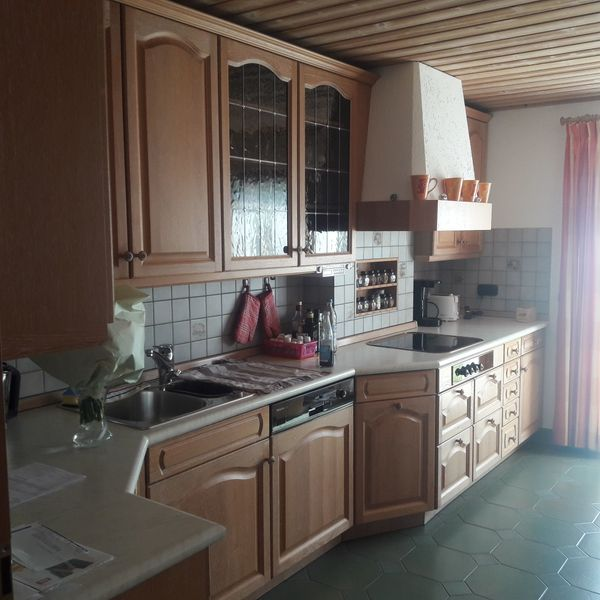 Komplette Küche mit Elektrogeräten sehr gepflegt in Eching ...