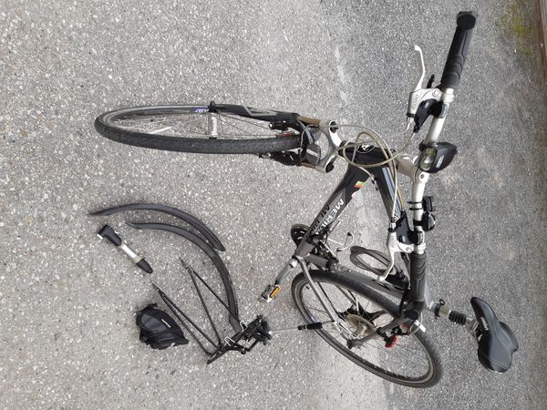 Merida Trekking City Bike Crossway 8800 in Fraxern