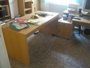 Möbel für ein komplettes Büro