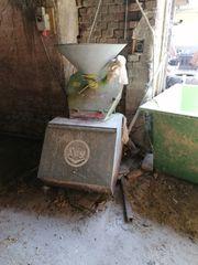 verkaufe schrotmühle