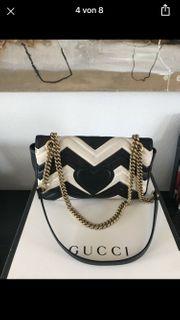 Gucci Marmont Medium Tasche