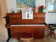 Klavier 70-er Jahre gepflegt