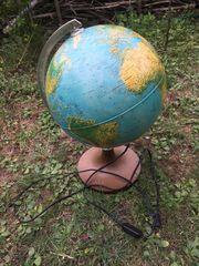 Globus mit Beleuchtung