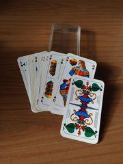 Spielkarten im Etui