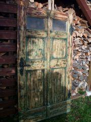 Schöne uralte Haustür Tür Bauernhaus