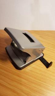 Locher mit Anschlagschiene Silber Metallic